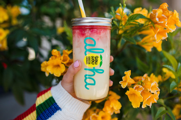 Wow Wow Lemonade in Aloha glass